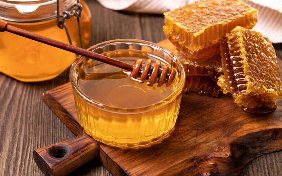 10 sorprendentes beneficios de consumir miel